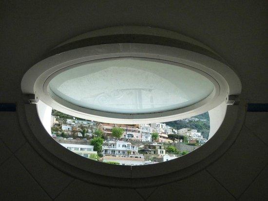 Pensione Maria Luisa - Amalfi Coast : La vista de la ventanita del baño.