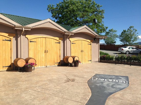 Penticton Sunshine and Wine day tours: Silver Sage Winery
