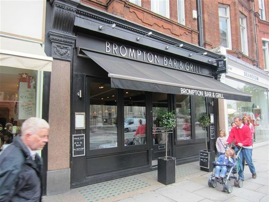 The Brompton Bar and Grill : Opposite Brompton Oratory