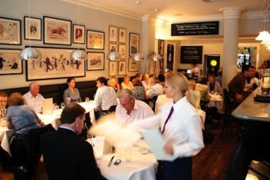 The Brompton Bar and Grill : At a busy time