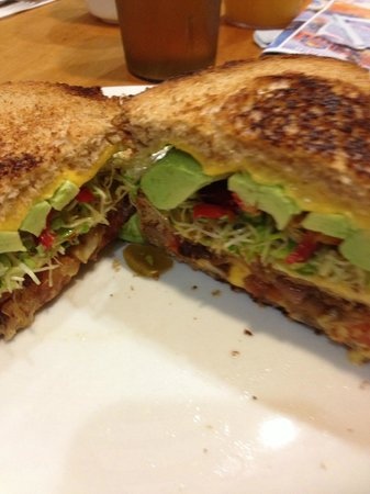 Hotel Mark Twain: Grilled Vegetarian sandwich