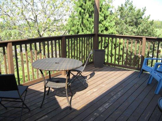 Crown Ridge Bed & Breakfast: Balcony