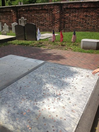 Free Tours by Foot: Ben Franklin's Grave