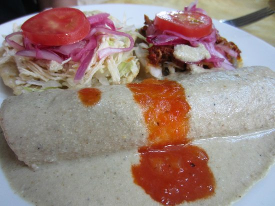 Labna: A plate of Yucatanean specialities