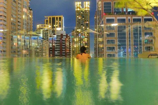 Hotel Muse Bangkok Langsuan - MGallery Collection : swimming pool