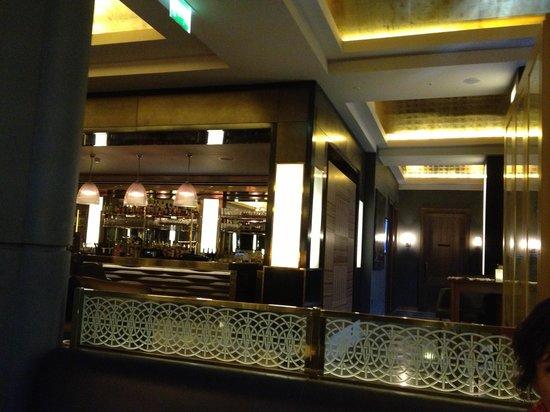 St Pancras Grand Champagne Bar: bar in restaurant