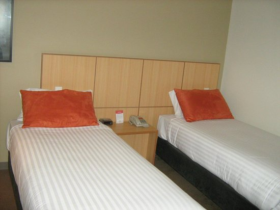 Travelodge Hotel Garden City Brisbane: Twin Room