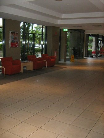 Travelodge Hotel Garden City Brisbane: Lobby