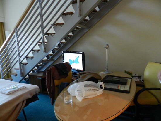 Courtyard Sydney-North Ryde: desk