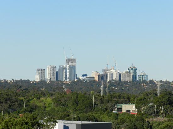 Courtyard Sydney-North Ryde: Skyline