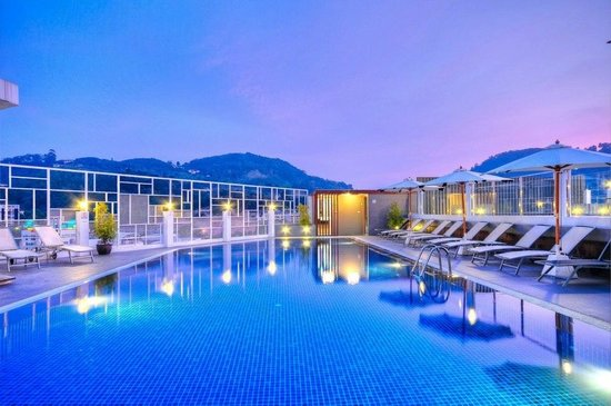 The ASHLEE Heights Patong Hotel & Suites Photo