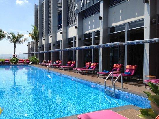 Aloft Kuala Lumpur Sentral: pool area