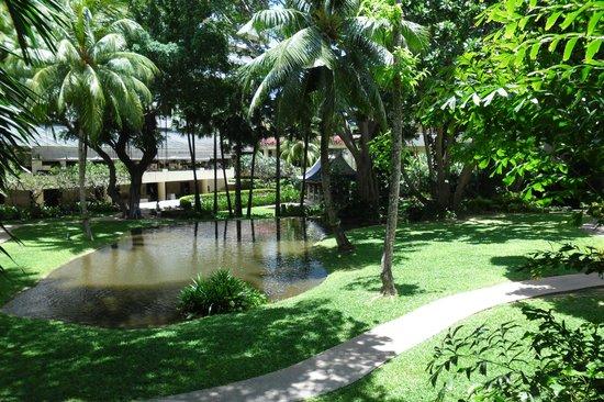 Hilton Phuket Arcadia Resort & Spa: grounds