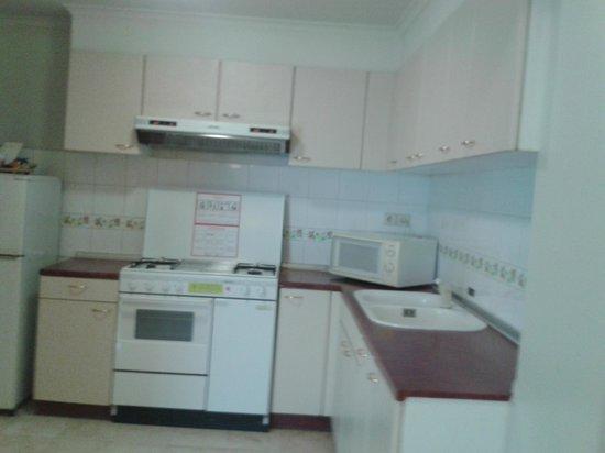 Aryaduta Semanggi: kitchen