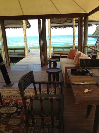 Jeeva Beloam Beach Camp: Tenda Restaurant