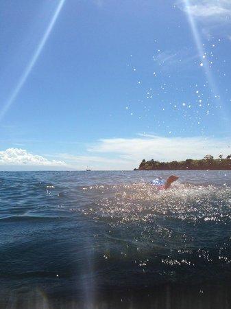 Jeeva Beloam Beach Camp: Snorkeling - clear water!
