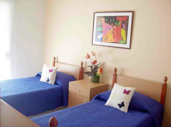 Three Hearts Lodge: Twin room