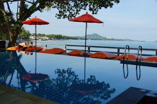 Bhundhari Chaweng Beach Resort: Swimming Pool