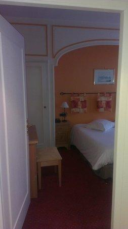 Best Western Hotel De La Bourse : Entrée Chambre