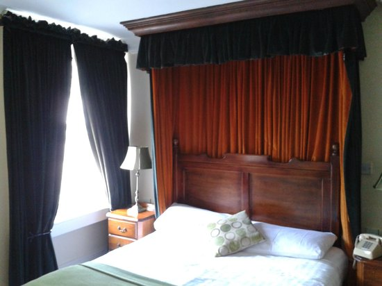 Mercantile Hotel: Room 202