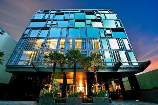 Galleria 10 Sukhumvit: Hotel Exterior