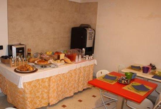 Delizia Estense B&B: breakfastroom
