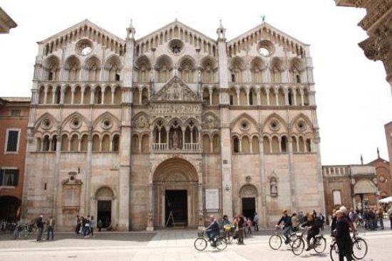 Delizia Estense B&B : Cathedral