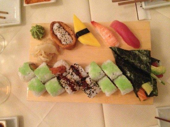 diverse sushi ad libitum - Billede af Izumi, Charlottenlund - TripAdvisor