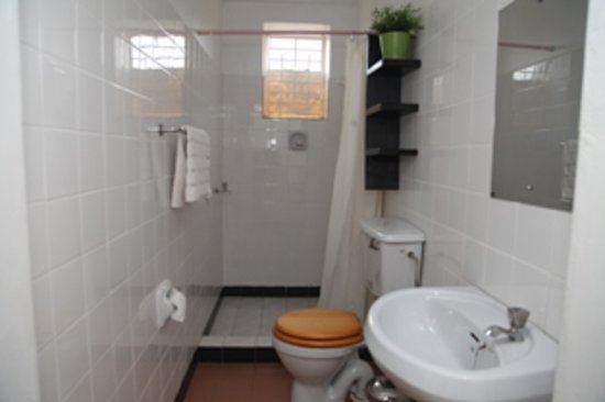 Hotel Acacia City: Bathroom In Self Contained Room