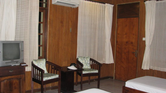 Bali Segara Hotel: second room (twin) but we changed)