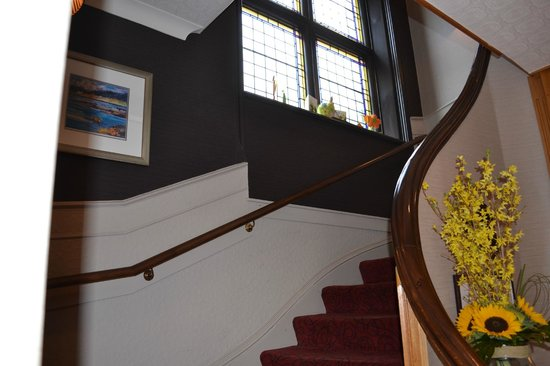 Atholl Hotel: Staircase