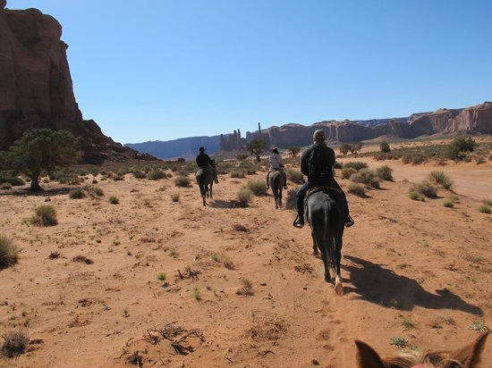 Dineh Trail Rides