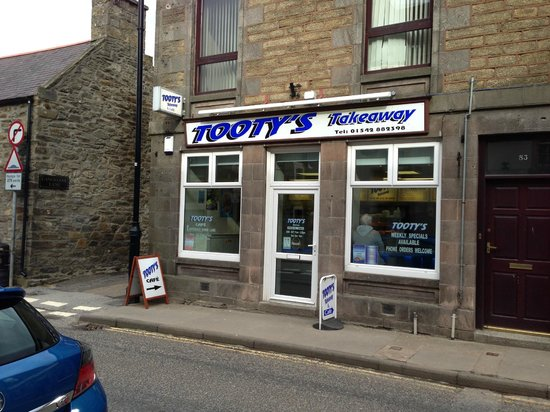 Tooty's Restaurant: Front of Tootys Take-away