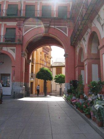 Plaza de la Corredera : ingresso nella plaza