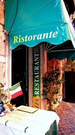 Ristorante La Fontana : Entrata