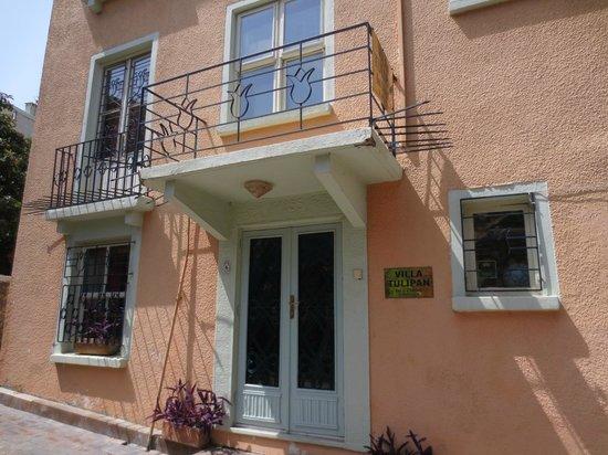 Entrance of Villa Tulipan