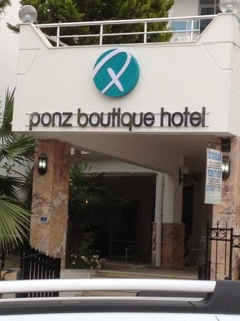 Ponz Boutique Hotel : entrance