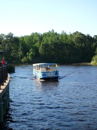Disney's Port Orleans Resort - French Quarter: The water taxi to Riverside and Downtown Disney