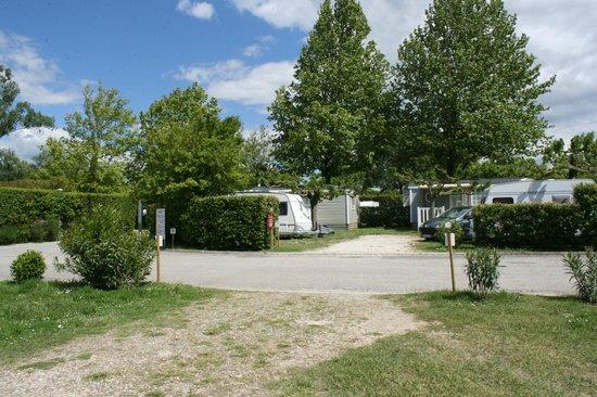 Camping Airotel La Sorguette : ...Una parte del campeggio...