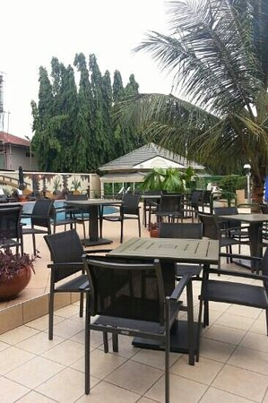 Alisa Hotels North Ridge : Pool side restaurant at Alisa Hotels