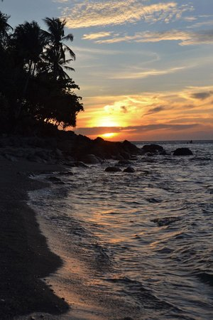 ‪‪Tuko Beach Resort‬: Sunset at Tuko beach‬