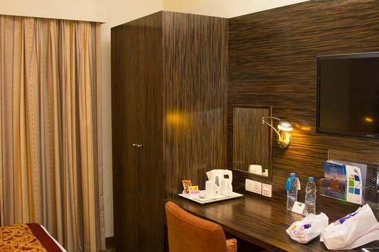 Holiday Inn Express Dubai-Internet City: Queen Room
