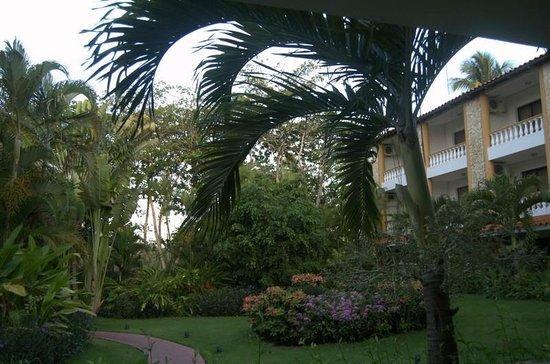 Playa Esmeralda Beach Resort: Another part of the grounds