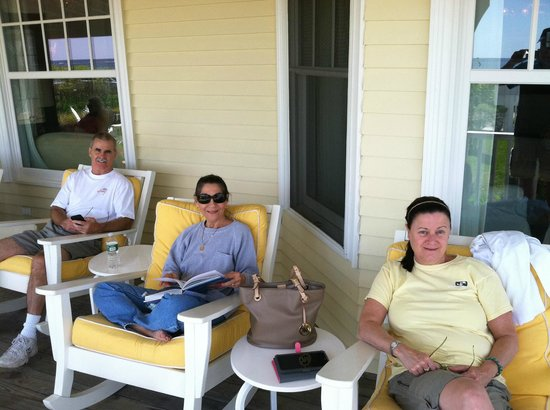 The Tides Beach Club: Front Porch