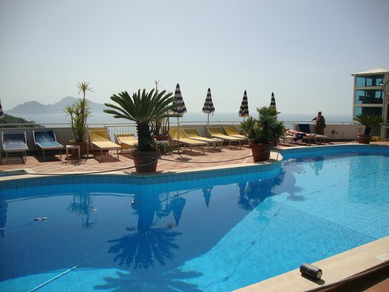 Hotel & Spa Francischiello Bellavista : pool on the roof