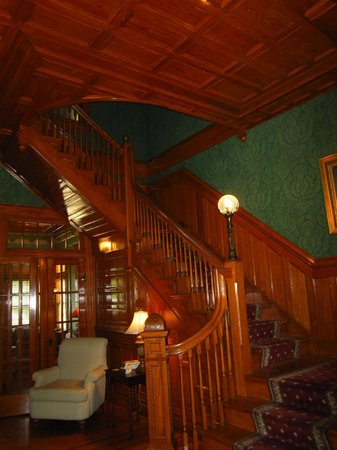 Captain Henderson House Bed and Breakfast: Interior