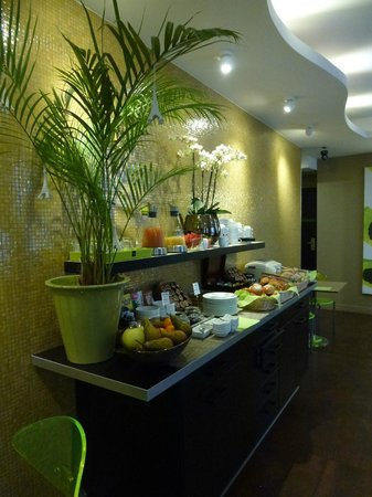 Le Fabe Hotel: Breakfast Selection