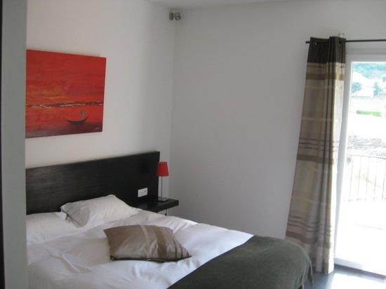 Hotel Le Domaine des Vignes : Vue partielle de la chambre