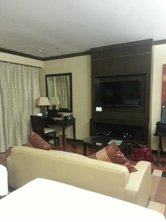 MiCasa All Suite Hotel : twin room