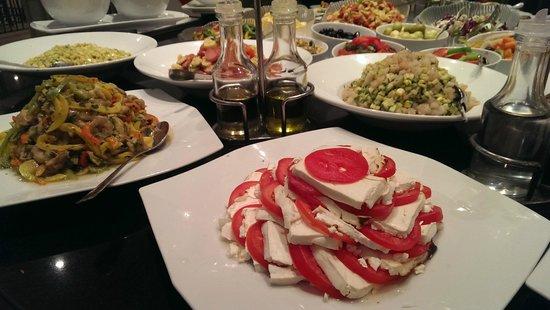 Movenpick Resort Taba Hotel : Repas/Buffet